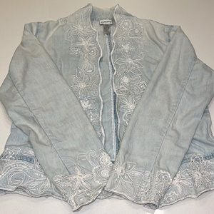 CHICOS light wash denim floral white appliqué embroidered open jacket